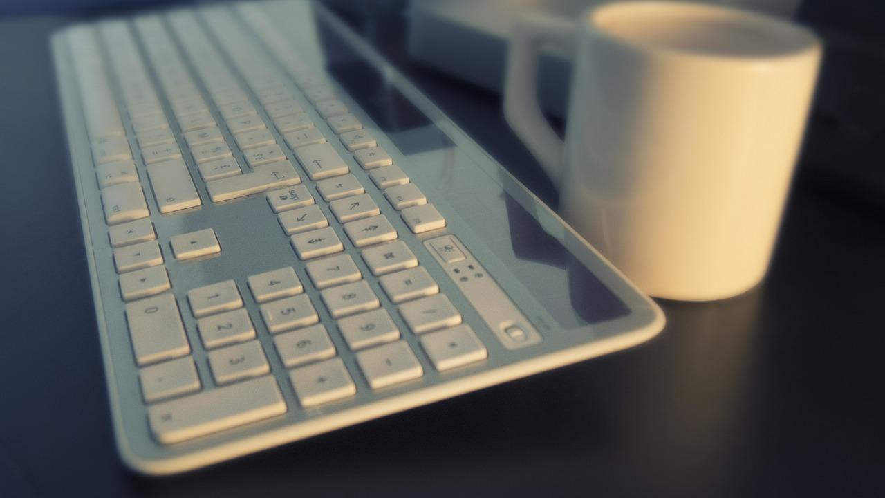無料ブログでサイトを運営する場合のメリットとデメリット